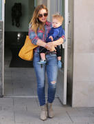 http://img296.imagevenue.com/loc396/th_442442910_Hilary_Duff_Out_and_About_with_Luca8_122_396lo.jpg