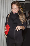 http://img296.imagevenue.com/loc518/th_588632591_Hilary_Duff_leaving_Madeos_Restaurant6_122_518lo.jpg